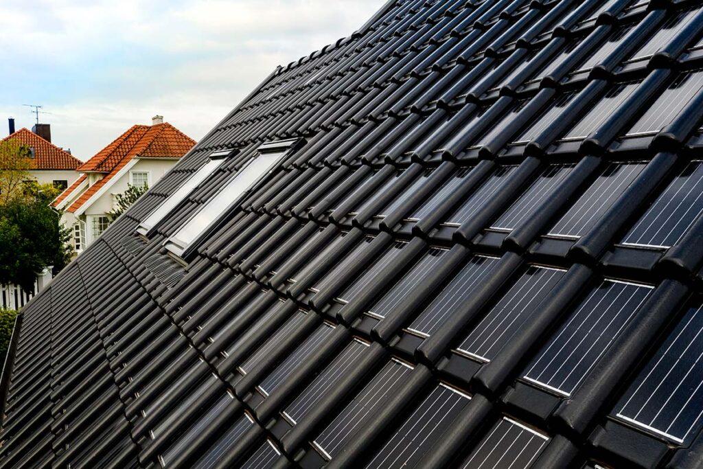 Nibra takpannor med integrerad solpanel