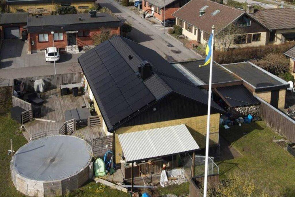 En villa i Bjärred med nytt tak och solceller